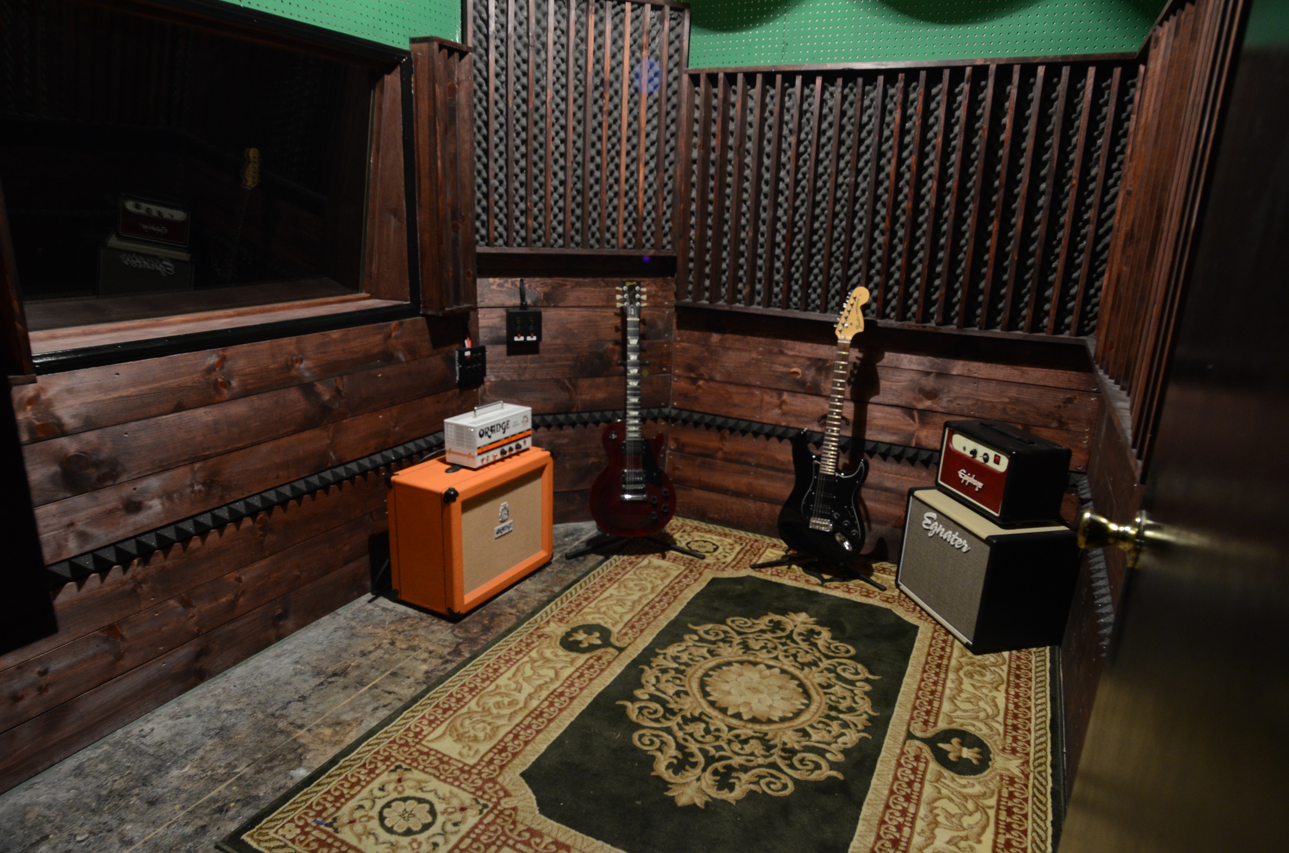 Small Iso Room Recording Studio Rehearsal Space And Live Events Venue In Los Angeles California